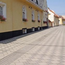 Leier Piazza térkő 20x10x6 piros